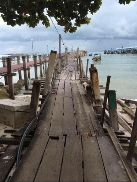 falling-down-bridge-Malaysia